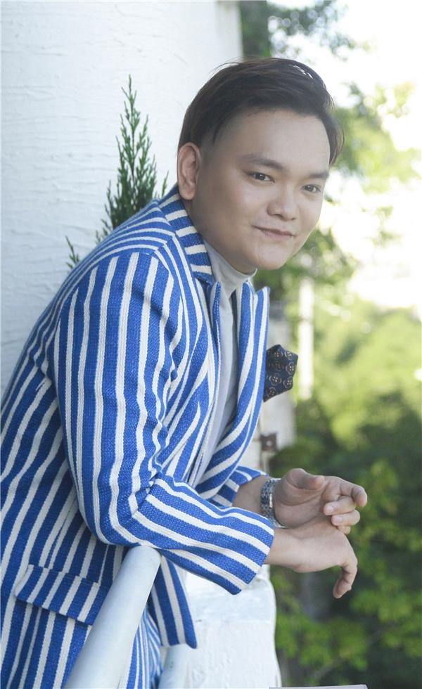 Trịnh Tú Trung hiện là một trong những gương mặt sáng giá xuất hiện với một mật độ dày đặc trên sóng truyền hình.