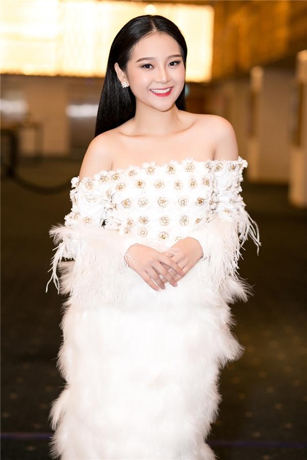 Tam Triều Dâng là cái tên luôn được nhắc đến với nhiều sự kìvọng từ công chúng, bởi cô đãchạmngõvới con đường nghệ thuật và gặt háinhiều thành tích đáng ngưỡng mộ khá sớm.