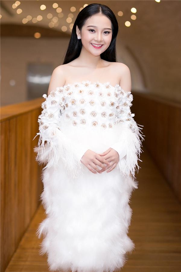 Tuy nhiên ở thời điểm hiện tại, Tam Triều Dâng mong muốn khán giả sẽ nhớ đến cô bằng nghệ danh của mình cũng như qua những vai diễn ấn tượng mà cô thể hiện.