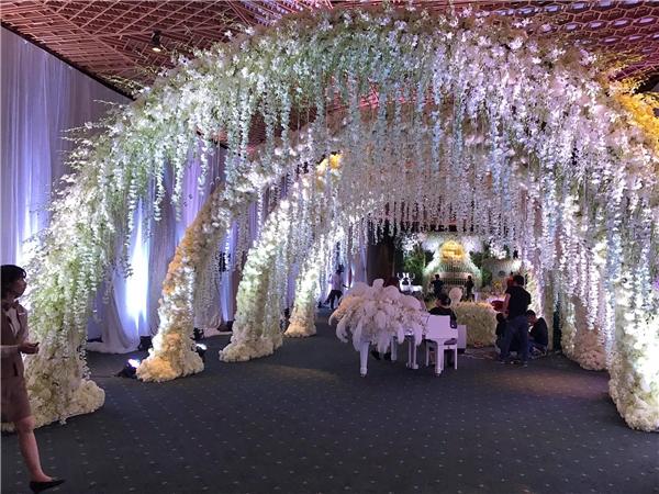 Choáng ngợp tiệc cưới tràn ngập hoa của Trấn Thành-Hari Won - Tin sao Viet - Tin tuc sao Viet - Scandal sao Viet - Tin tuc cua Sao - Tin cua Sao