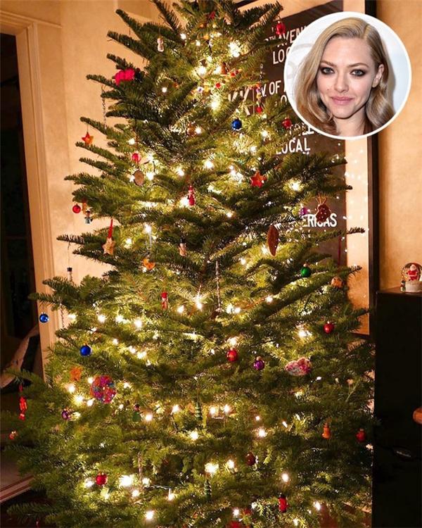 Cây thông Noel cực lộng lẫy củaAmanda Seyfried.