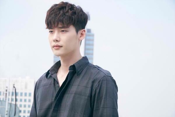 Từ khi gặp gỡ Oh Yeon Joo, cuộc sống của Giám đốc Kang bắt đầu thay đổi.