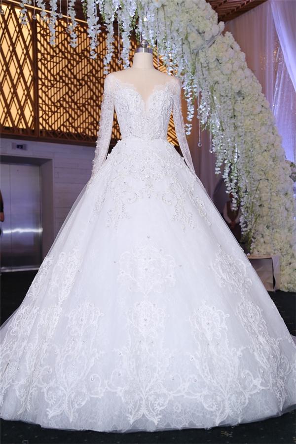 Cận cảnh chiếc váy cưới được thiết kế riêng cho Hari Won nhân ngày trọng đại. - Tin sao Viet - Tin tuc sao Viet - Scandal sao Viet - Tin tuc cua Sao - Tin cua Sao