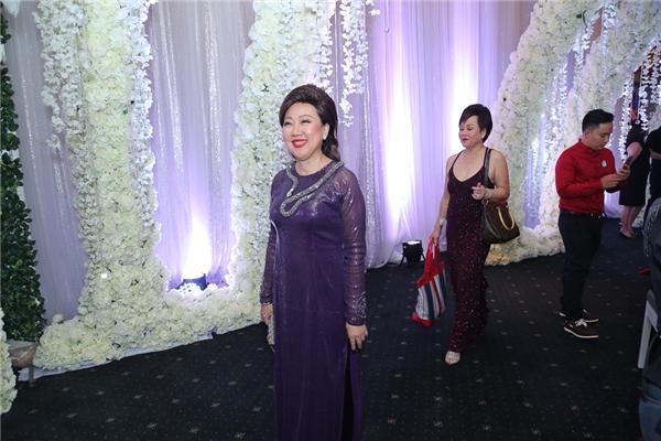 Mẹ Trấn Thành cùng em gái lộng lẫy trong ngày vui của con trai - Tin sao Viet - Tin tuc sao Viet - Scandal sao Viet - Tin tuc cua Sao - Tin cua Sao