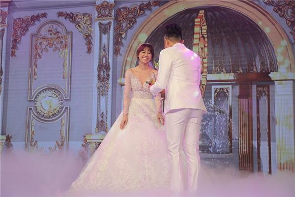 Nụ cười hạnh phúc của cô dâu Hari Won bên chú rể Trấn Thành - Tin sao Viet - Tin tuc sao Viet - Scandal sao Viet - Tin tuc cua Sao - Tin cua Sao