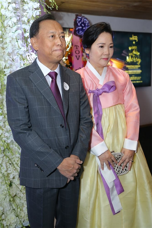 Bố mẹ Hari Won - Tin sao Viet - Tin tuc sao Viet - Scandal sao Viet - Tin tuc cua Sao - Tin cua Sao