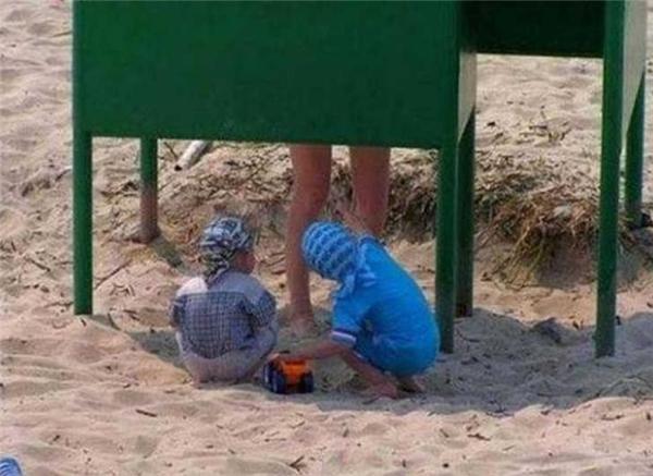 Người ta thường nói trẻ em ngây thơ, hiếu kì là thế...