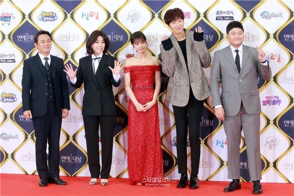Lee Kwang Soo cùng đoàn làm phim Sound of Your Heart