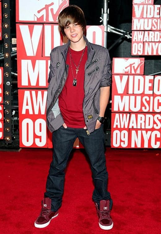 Justin Bieber: Hành trình lột xác từ