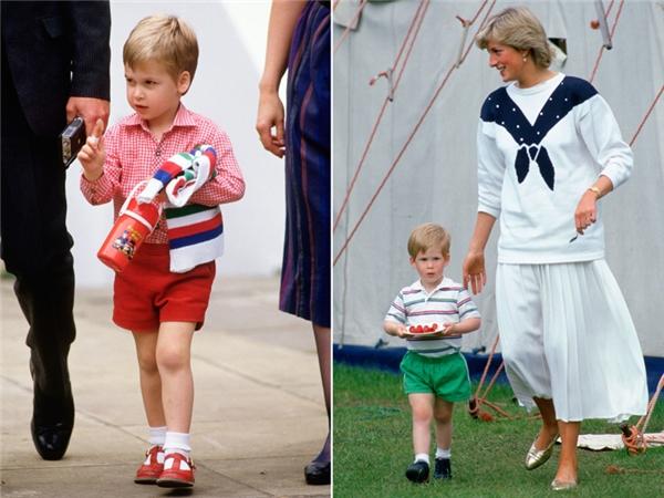 Bố và chú của Hoàng tử George là hai Hoàng tử William và Harry ngày còn bé cũng chỉ mặc quần short.