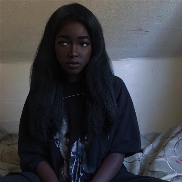 Cô gái làm chao đảo mạng xã hội vì có làn da đen ấn tượng