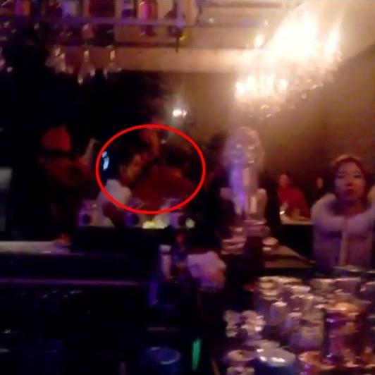 Lưu Diệc Phi có khoảng thời gian nghỉ lễ ngọt ngào bên bạn trai Song Seung Hun.