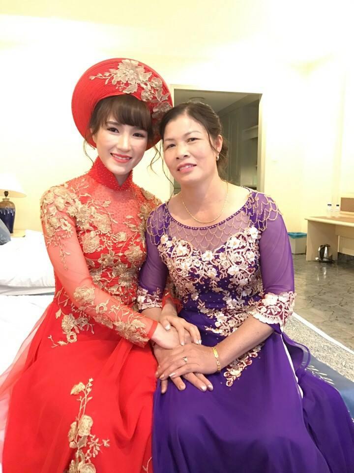 """Cô dâu Vũ Thị Trang quả xứng danh """"hot girl cầu lông"""" nước nhà. (Ảnh: FBNV)"""