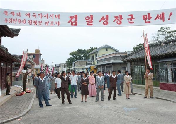 Được biết, mặc dù điện ảnh không phải là lĩnh vực phát triển nhưng là nghệ thuật phổ biến được yêu thích ở Triều Tiên.