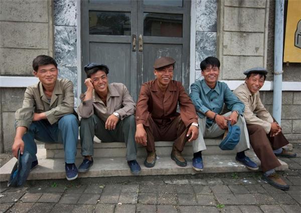 Nội dung trong các bộ phim hầu như thể hiện tình yêu quê hương đất nước là phần nhiều, như những hình ảnh về thủ đô Bình Nhưỡng, những bức thông điệp sâu sắc, đầy cảm hứng hay thậm chí cả những cuộc chiến với quân đội Nam Triều Tiên.