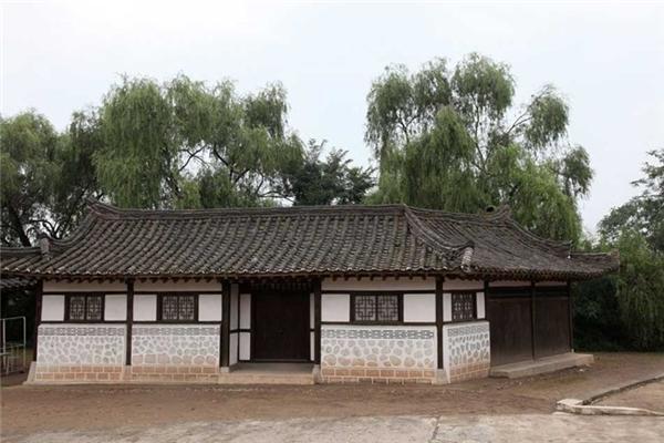 Những ngôi nhà đặc trưng của Triều Tiên.