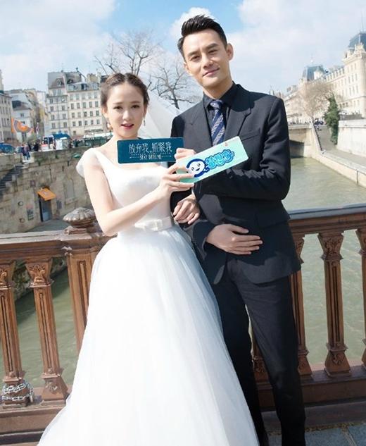 Trần Kiều Ân kiêu sa trong váy cưới bên cạnh Vương Khải lịch lãm.