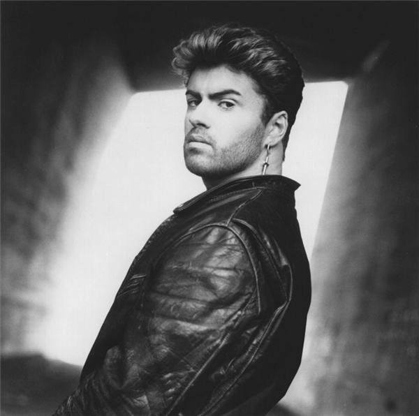 Ca sĩ George Michael của ban nhạc Wham! huyền thoại một thời vừa qua đời ở tuổi 53.