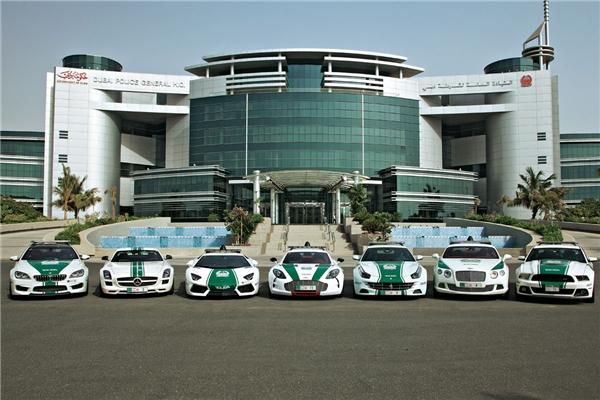 Cảnh sát Dubai nổi tiếng thế giới vì sử dụng siêu xe để tuần tra. (Ảnh: internet)