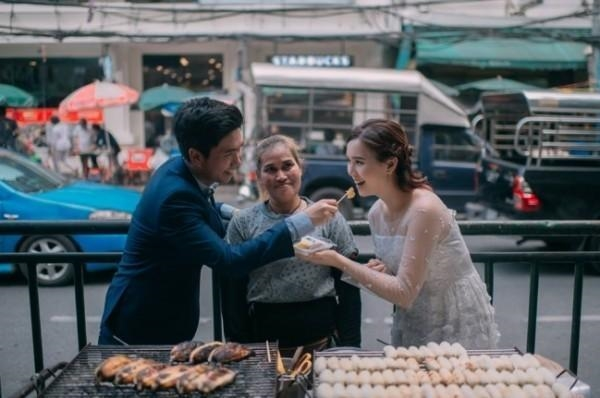 Được biết, cặp cô dâu chú rể người Thái này có tên Max – Min.