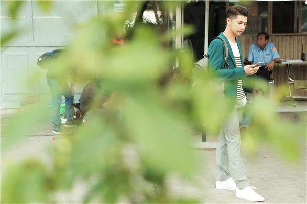 Với gương mặt đa biểu cảm, mới đây Noo Phước Thịnh chính thức nhận lời xuất hiện trong vai nam chính đầu tiên của bộ phim ngắn online: Momfie – Trời Ơi Mẹ Tôi Cũng Selfie sẽ được công bố vào dịp Tết 2017, do đạo diễn Quang Huy sản xuất. - Tin sao Viet - Tin tuc sao Viet - Scandal sao Viet - Tin tuc cua Sao - Tin cua Sao