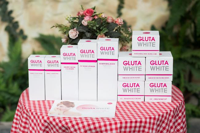 Bộ sản phẩm Gluta White với công nghệ dưỡng trắng tương lai.