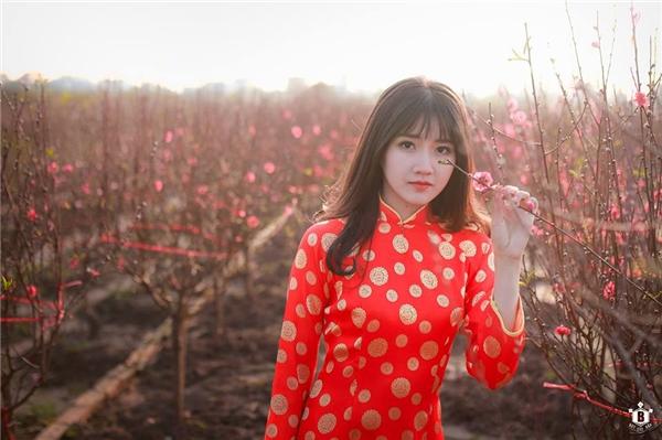 Hình ảnh hotgirl trà sữa Kiều Trinh bất ngờ lên báo nước ngoài