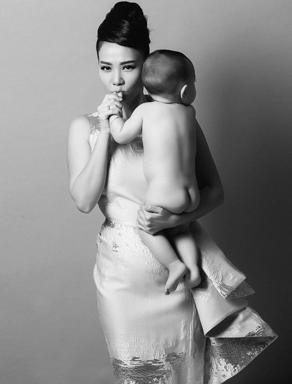 Thu Minh và con trai đầu lòng - Tin sao Viet - Tin tuc sao Viet - Scandal sao Viet - Tin tuc cua Sao - Tin cua Sao