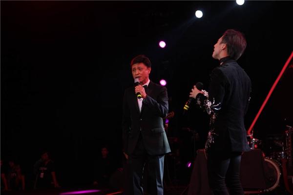 Fans tranh cãi gay gắt về màn song ca giữa Tuấn Ngọc và Sơn Tùng - Tin sao Viet - Tin tuc sao Viet - Scandal sao Viet - Tin tuc cua Sao - Tin cua Sao