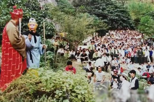 Đi đến đâu đoàn làm phim Tây Du Ký cũng được người dân địa phương nhiệt tình hoan nghênh, ủng hộ.