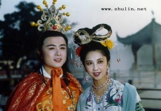Ông cũng khiến nhiều người nhắc đến về mối tình uẩn khúc giữa mình và Chu Lâm.