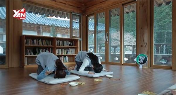 Tìm hiểu và tham gia nghi thức 108 lạy của chùa.