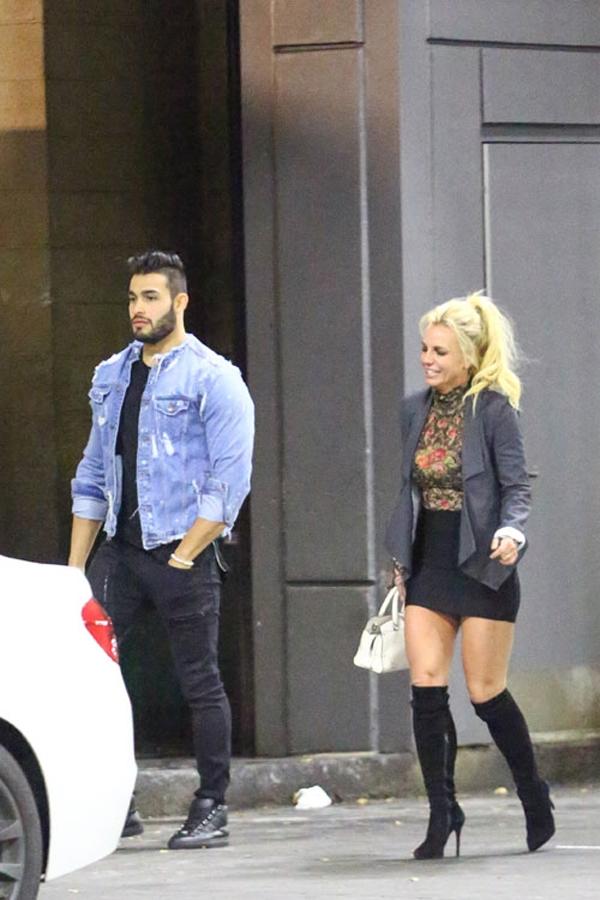 Cả hai vừa bị bắt gặp hẹn hò tại Los Angeles.