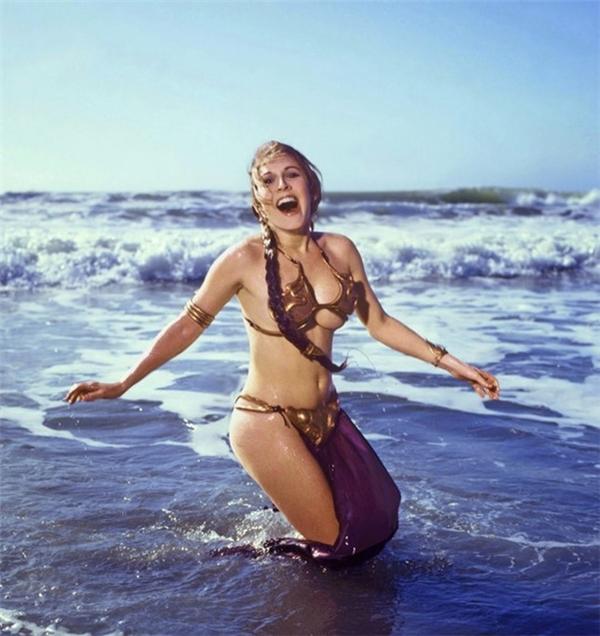 Carrie vào vai công chúa Leia trong phần đầu của bộ phim Star Wars.