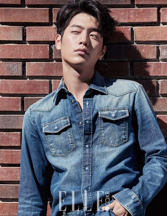 Xuất thân với vai trò ca sĩ nhưng Seo Kang Joon chỉ thực sự nổi tiếng sau khi tham gia diễn xuất.