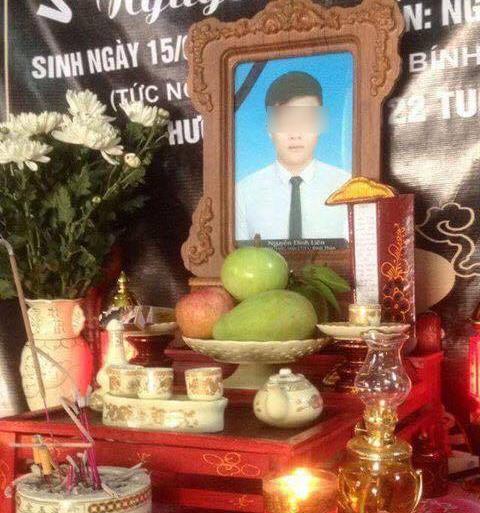 Lễ nhập quancủa em được một sư thầy tổ chức tại Nhật, riêng gia đình vẫn lập bàn thờđể ngày đêm hương khói.