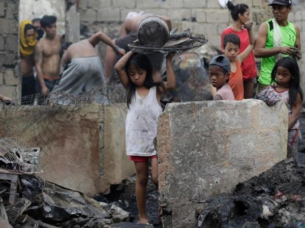 500 căn nhà là chốn đi về của hơn 1000 con người giờ chỉ còn là đống bê tôngsắt vụn đổ nát. (Ảnh: Internet)