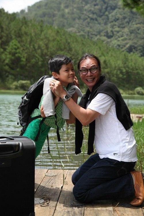 Nghệ sĩ Trần Lực và bé Bờm.