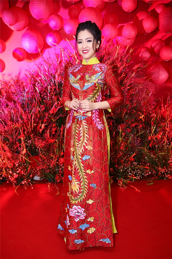 Nam Thư rạng rỡ đọ dáng cùng Puka trên thảm đỏ sự kiện - Tin sao Viet - Tin tuc sao Viet - Scandal sao Viet - Tin tuc cua Sao - Tin cua Sao