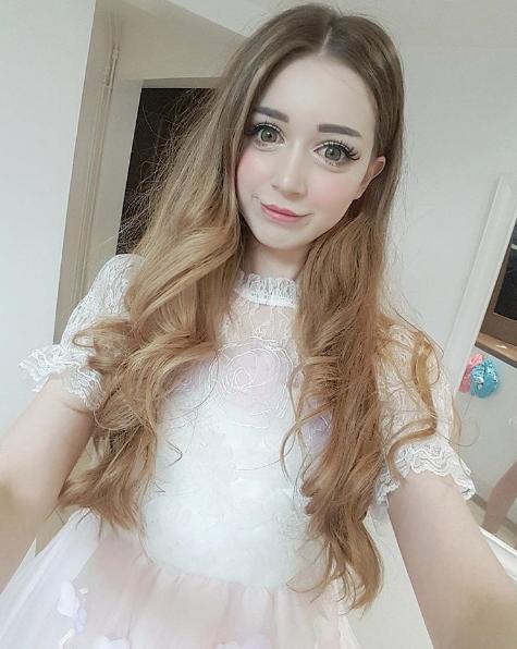 Hannah Gregorylà một trong những hot girl nổi tiếng trên mạng xã hội nước Anh.
