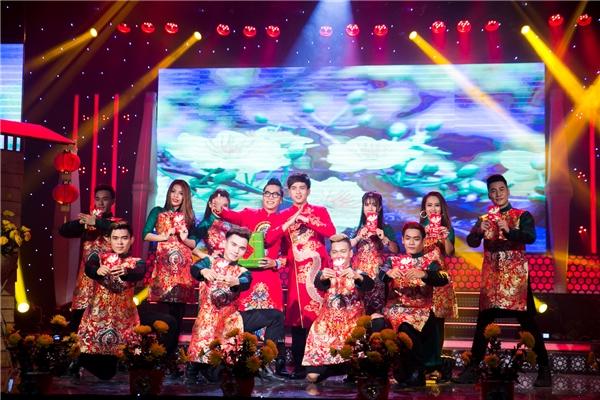 Bảo Anh đến phim trường chăm sóc bạn trai Hồ Quang Hiếu - Tin sao Viet - Tin tuc sao Viet - Scandal sao Viet - Tin tuc cua Sao - Tin cua Sao