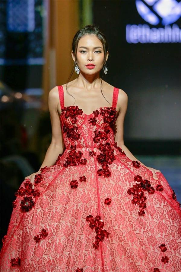 Trở về Việt Nam, Mâu Thủy tiếp tục là sự lựa chọn hàng đầu cho nhiều show diễn lớn cũng như những tạp chí thời trang danh giá. Nữ người mẫu hoạt động tích cực và mong muốn đưa bản thân lên một tầm cao mới trong sự nghiệp.