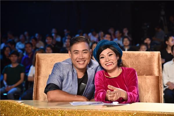 Trong những năm 2000, với chất giọng khàn ấn tượng, Phương Thanh là chủ nhân của hàng loạt bài hit nổi tiếng như Tình cờ, Giãtừ dĩ vãng,… - Tin sao Viet - Tin tuc sao Viet - Scandal sao Viet - Tin tuc cua Sao - Tin cua Sao