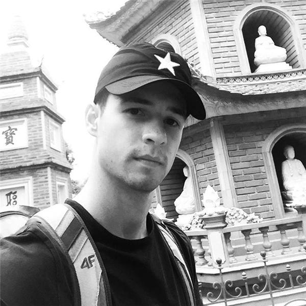 Sở thích của Chris là du lịch bụi, thể thao mạo hiểm và boxing.(Ảnh: Instagram)