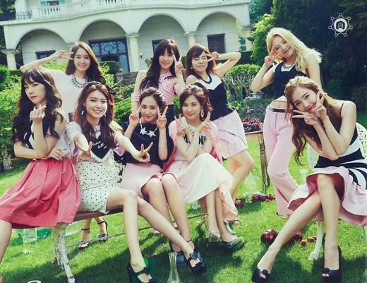 Hình ảnh 9 cô gái thân như chị em trong nhà khiến nhiều người hâm mộ tiếc nuối