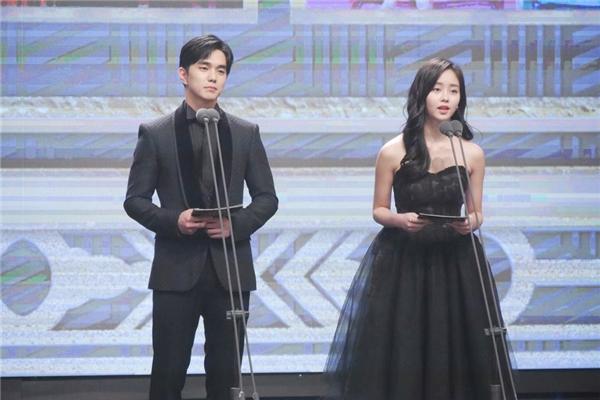 """Đây là hai cặp đôi sẽ khiến màn ảnh Hàn năm 2017 """"nổ tung"""""""