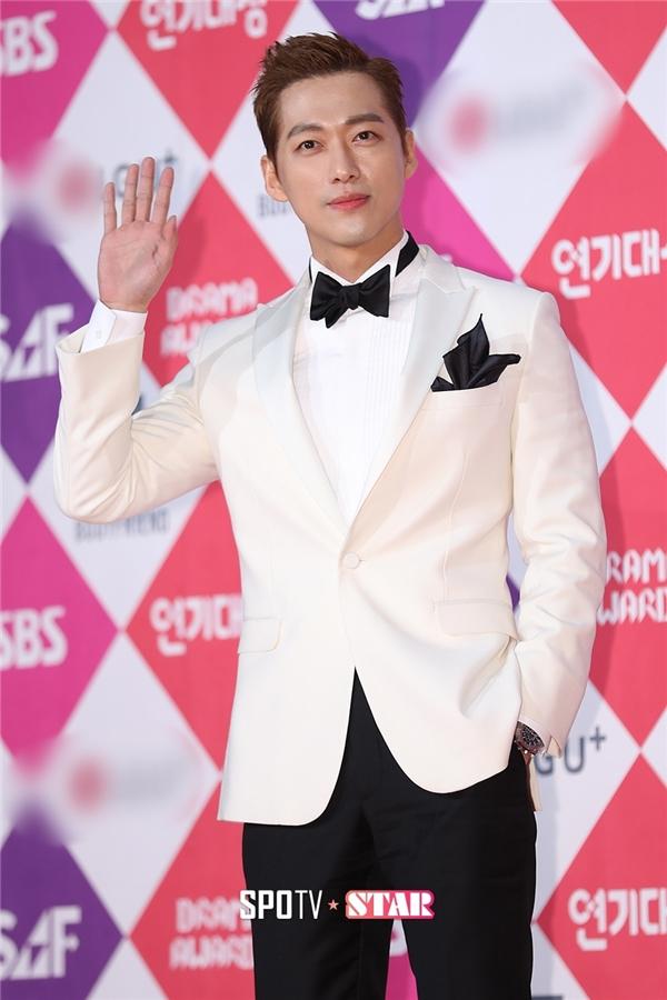"""""""Ác nhân có gương mặt thiên thần"""" Nam Goong Min cũng có màn hoá thân tuyệt vời trong Remember"""