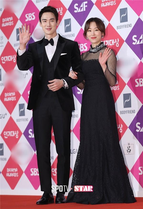 Cặp đôi Người thầy y đức, Yoo Yeon Suk và Seo Hyun Jin