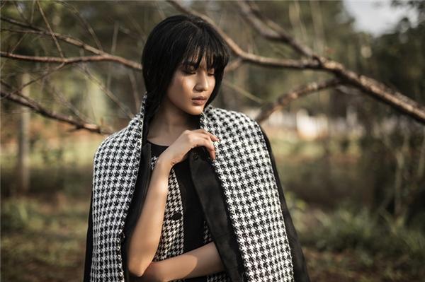 Trương Thị May cô đơn trong nắng chiều Đà Lạt