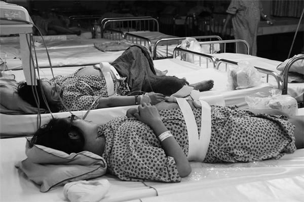 Có thể nói rằng, cùng với các bệnh viện chuyên khoa sản trên cả nước, đêm giao thừa 2017, bác sĩ bệnh viện Từ Dũ vẫn trắng đêm đón những thai phụ chuyển dạ đến bệnh viện sinh.